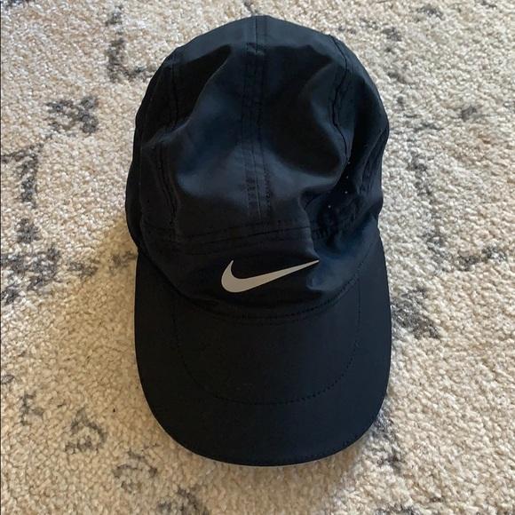 NWOT Nike running hat